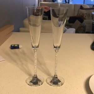 Wedding toasting flutes with crystals